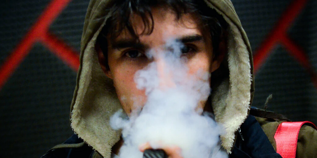 Here Is Why Vapers Are Infinitely More Cool Than Smokers